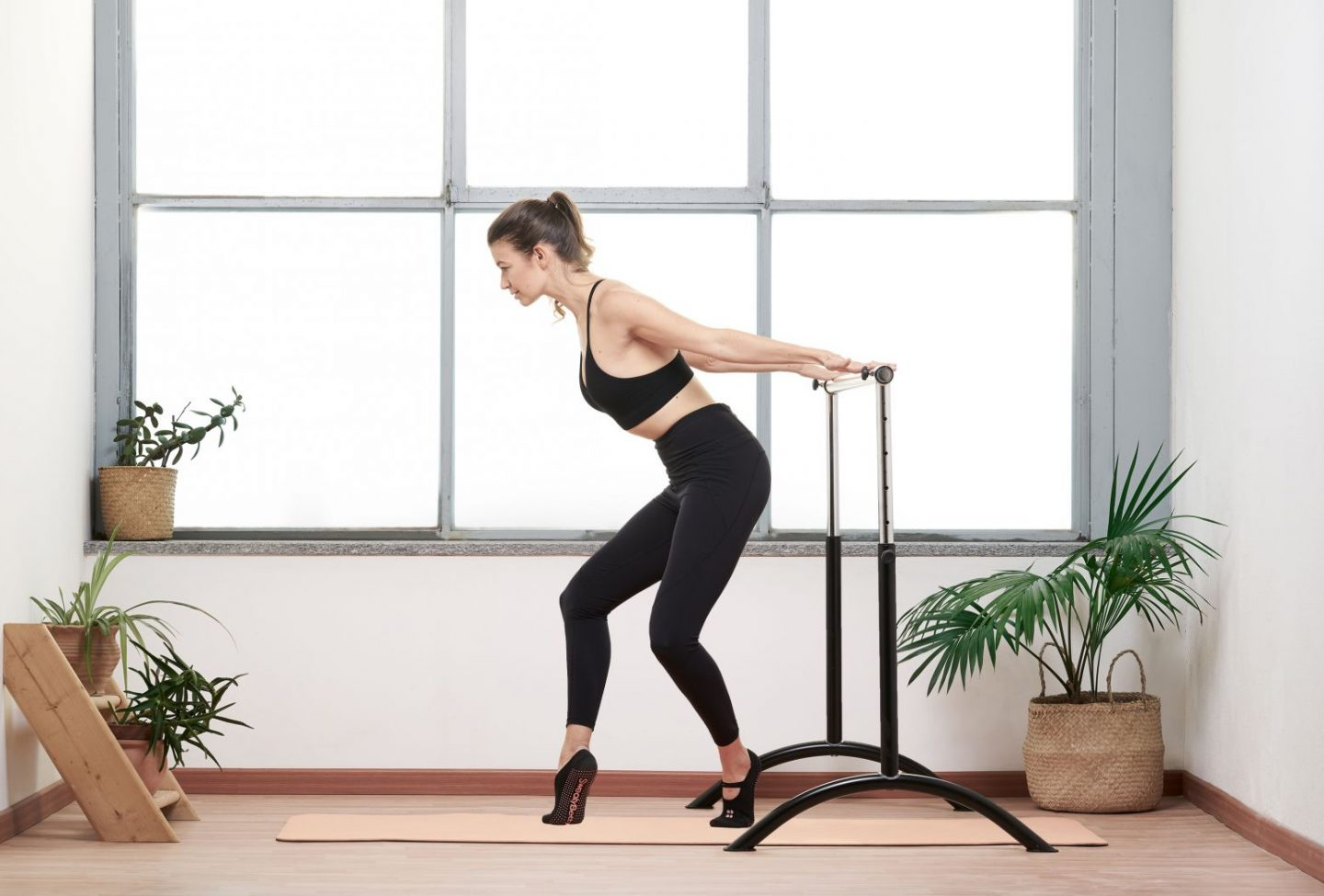 HOW BARRE IS A GREAT WORKOUT FOR YOUR BRAIN AS MUCH AS FOR YOUR BODY